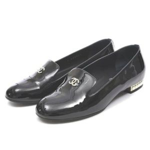 CHANEL Opera shoes Loafer pearl patent black G 307